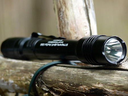 Streamlight PT 2AA : vue de face